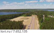 Купить «Вид с высоты на дорожное строительство», видеоролик № 7652135, снято 7 июля 2015 г. (c) Discovod / Фотобанк Лори