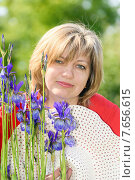 Портрет женщины средних в летнем парке. Стоковое фото, фотограф Дмитрий Брусков / Фотобанк Лори