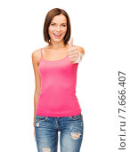 Купить «woman in blank pink tank top showing thumbs up», фото № 7666407, снято 25 июля 2013 г. (c) Syda Productions / Фотобанк Лори