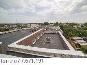 Крыша современного здания. Стоковое фото, фотограф Vladimir Shashkin / Фотобанк Лори