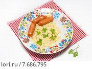 Купить «Сосиски с макаронами. Детская еда», фото № 7686795, снято 15 июля 2015 г. (c) Наталья Осипова / Фотобанк Лори