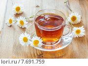 Чашка чая с ромашкой. Стоковое фото, фотограф Ирина Буракова / Фотобанк Лори