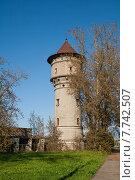 Купить «Водонапорная башня. Рига, Латвия», фото № 7742507, снято 3 сентября 2014 г. (c) Юлия Бабкина / Фотобанк Лори