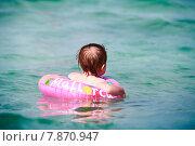 Купить «Маленькая девочка в море», фото № 7870947, снято 14 июня 2015 г. (c) Морозова Татьяна / Фотобанк Лори