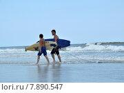Серфингисты (2015 год). Редакционное фото, фотограф Наталья Лабуз / Фотобанк Лори