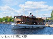 """Старинный пароход """"Paul Wahl"""" отправляется на прогулку по Сайменскому озеру (2015 год). Редакционное фото, фотограф Виктор Карасев / Фотобанк Лори"""