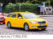 Купить «Skoda Octavia», фото № 7992315, снято 21 июля 2014 г. (c) Art Konovalov / Фотобанк Лори