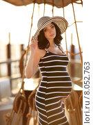 Купить «Портрет молодой беременной женщины в полосатом платье», фото № 8052763, снято 8 июля 2015 г. (c) Photobeauty / Фотобанк Лори