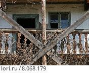 Купить «building house balcony expiration ailing», фото № 8068179, снято 20 марта 2019 г. (c) PantherMedia / Фотобанк Лори