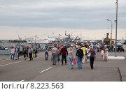 Купить «Праздник День Военно-Морского Флота в Кронштадте, 2015г», фото № 8223563, снято 26 июля 2015 г. (c) Юлия Бабкина / Фотобанк Лори