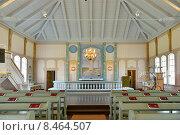 Купить «Интерьер придорожной церкви в Перхо, Финляндия», фото № 8464507, снято 14 июля 2015 г. (c) Валерия Попова / Фотобанк Лори