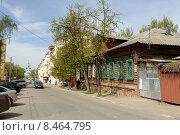 Купить «Калуга, улица Достоевского», фото № 8464795, снято 8 мая 2015 г. (c) Денис Ларкин / Фотобанк Лори
