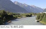Гоная река Теберда на фоне Кавказских гор. Карачаево-Черкесия. Стоковое видео, видеограф Алексей Бок / Фотобанк Лори
