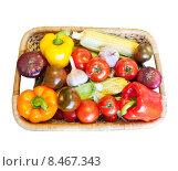 Купить «Корзина с овощами, изолировано на белом фоне», фото № 8467343, снято 19 ноября 2018 г. (c) Екатерина Овсянникова / Фотобанк Лори