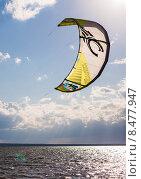 Кайт, воздушный змей над морем (2015 год). Редакционное фото, фотограф Степанова М Е / Фотобанк Лори