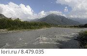 Купить «Река Теберда в горах Северного Кавказа», эксклюзивный видеоролик № 8479035, снято 4 августа 2015 г. (c) Алексей Бок / Фотобанк Лори