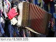Купить «instrument keyboard measure concertina method», фото № 8569335, снято 23 января 2019 г. (c) PantherMedia / Фотобанк Лори