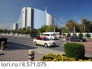 Купить «road street resort hotel taxi», фото № 8571075, снято 16 июля 2019 г. (c) PantherMedia / Фотобанк Лори