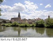 Купить «cathedral danube ratisbon stadttor steinernebr», фото № 8620667, снято 25 мая 2019 г. (c) PantherMedia / Фотобанк Лори