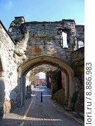 Купить «old entrance stra strasse stadttor», фото № 8886983, снято 25 мая 2019 г. (c) PantherMedia / Фотобанк Лори