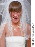 Купить «screaming bride», фото № 8937907, снято 17 декабря 2017 г. (c) PantherMedia / Фотобанк Лори