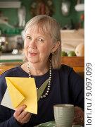 Senior woman with mug. Стоковое фото, фотограф Scott Griessel / PantherMedia / Фотобанк Лори