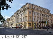 Купить «Санкт-Петербургская филармония», эксклюзивное фото № 9131687, снято 4 августа 2015 г. (c) Александр Алексеев / Фотобанк Лори