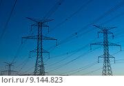 Купить «Electrical Transmission Towers (Electricity Pylons) at Dusk», фото № 9144823, снято 20 марта 2019 г. (c) PantherMedia / Фотобанк Лори