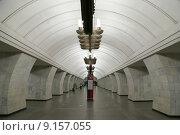 """Купить «Станция метро """"Чеховская"""", открыта 8 ноября 1983 года, Москва», фото № 9157055, снято 9 августа 2015 г. (c) Владимир Журавлев / Фотобанк Лори"""