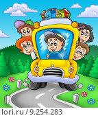 Купить «School bus on road», иллюстрация № 9254283 (c) PantherMedia / Фотобанк Лори