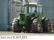 Купить «Farm Tractor», фото № 9301551, снято 18 февраля 2019 г. (c) PantherMedia / Фотобанк Лори