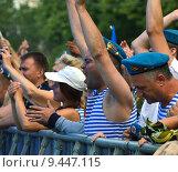 Купить «Празднование Дня ВДВ в парке Горького, Москва, 2015», эксклюзивное фото № 9447115, снято 2 августа 2015 г. (c) lana1501 / Фотобанк Лори
