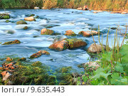 Поток каменистой горной реки. Стоковое фото, фотограф Антон Глущенко / Фотобанк Лори