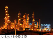 Купить «petrochemical oil refinery plant», фото № 9645315, снято 21 октября 2018 г. (c) PantherMedia / Фотобанк Лори