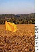 Купить «hundred metre marker flags», фото № 9746467, снято 16 октября 2018 г. (c) PantherMedia / Фотобанк Лори