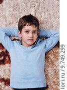 Купить «happy boy at home relax», фото № 9749299, снято 7 августа 2020 г. (c) PantherMedia / Фотобанк Лори
