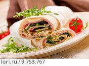 Купить «Tortillas with bacon and arugula salad», фото № 9753767, снято 24 февраля 2019 г. (c) PantherMedia / Фотобанк Лори