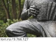 Купить «nature metal statue foot fuss», фото № 9766127, снято 23 января 2019 г. (c) PantherMedia / Фотобанк Лори