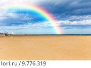 Купить «Радуга над пустынным песочным пляжем Адриатического моря», фото № 9776319, снято 3 ноября 2013 г. (c) Евгений Ткачёв / Фотобанк Лори