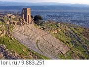 Купить «Руины античного театра в городе Пергам. Турция», фото № 9883251, снято 17 августа 2018 г. (c) Уфимцева Екатерина / Фотобанк Лори