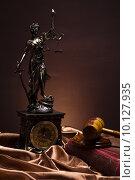 Купить «Antique statue of justice, law», фото № 10127935, снято 21 января 2019 г. (c) PantherMedia / Фотобанк Лори