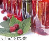Купить «red store homemade jam preserve», фото № 10172651, снято 22 июля 2019 г. (c) PantherMedia / Фотобанк Лори