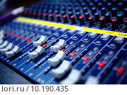 Купить «controls of audio mixing console», фото № 10190435, снято 26 мая 2019 г. (c) PantherMedia / Фотобанк Лори