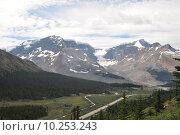 Купить «Westkanada - Columbia Icefield in den Rocky Mountains», фото № 10253243, снято 17 июля 2019 г. (c) PantherMedia / Фотобанк Лори