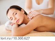 Купить «beautiful woman in spa having massage», фото № 10300627, снято 25 июля 2013 г. (c) Syda Productions / Фотобанк Лори
