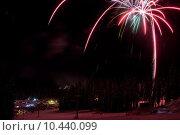 Купить «Fireworks at a ski resort in British Columbia», фото № 10440099, снято 5 июля 2020 г. (c) PantherMedia / Фотобанк Лори
