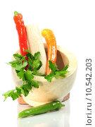 Купить «parsley mortar carrots pestle basilicum», фото № 10542203, снято 5 июля 2020 г. (c) PantherMedia / Фотобанк Лори