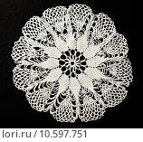 Купить «Crocheted lace napkin», фото № 10597751, снято 22 июля 2015 г. (c) Ярочкин Сергей / Фотобанк Лори