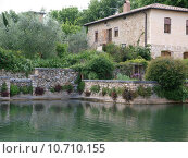 Купить «Bagno Vignoni in Tuscany.  Spa known for the Middle Ages  », фото № 10710155, снято 20 марта 2019 г. (c) PantherMedia / Фотобанк Лори