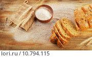 Купить «Sliced bread», фото № 10794115, снято 11 июля 2015 г. (c) Tatjana Baibakova / Фотобанк Лори